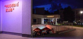 Fotoreport z koncertu Koncert Arrogant Twins před Ponorkou
